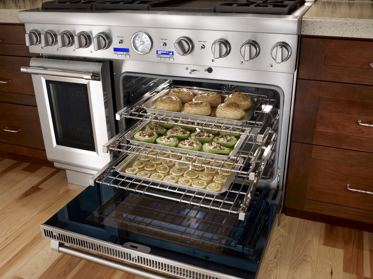how to cook a roast in a maxkon convection oven