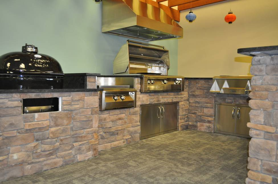 A Must See Outdoor Kitchen Display