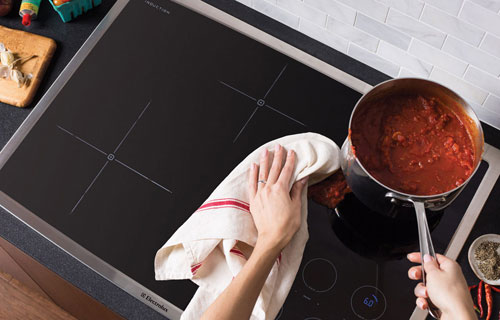 Cleaning Tips for Your Stovetop and Oven