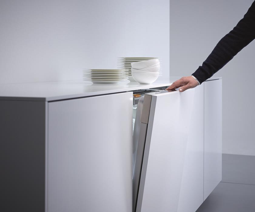 Handle Free Dishwashers that Open by Knocking