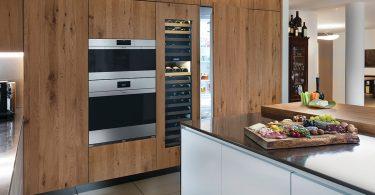 Sub-Zero integrated refrigerator